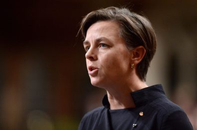 kellie-leitch-size-custom-crop-1086x721