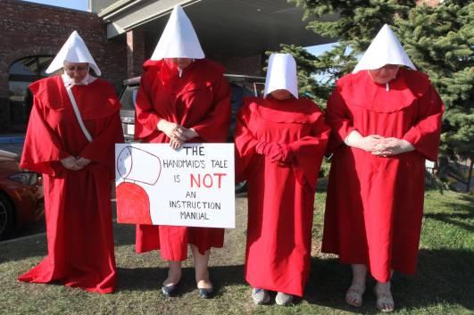 11760314_web1_180505-rda-abortion-protest
